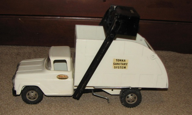 Tonka 1960 sanitary service